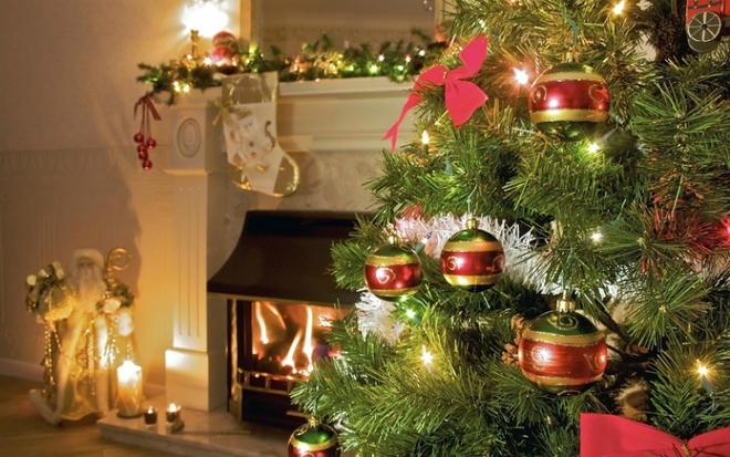 Защо украсяваме елха на Коледа?