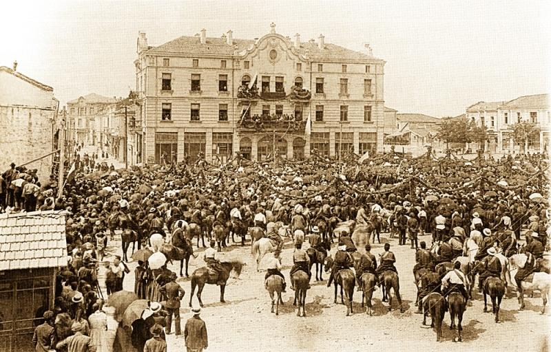 Оранжевата гвардия пред Окръжната палата в Хасково