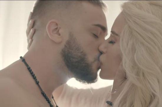 Image result for Криско се целува с Тита